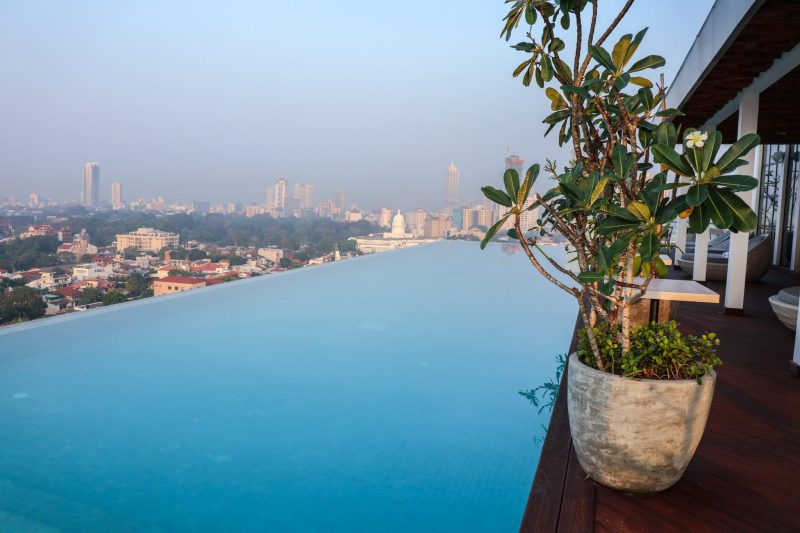 Things to do in Colombo - rooftop pool Jetwing Seven