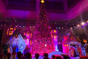 Colors are everywhere.   Christmas Town at SM Southmall