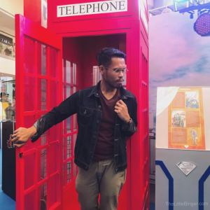 I've always wanted to re-enact that moment when Superman comes out of the phone booth. #Superman80thPH