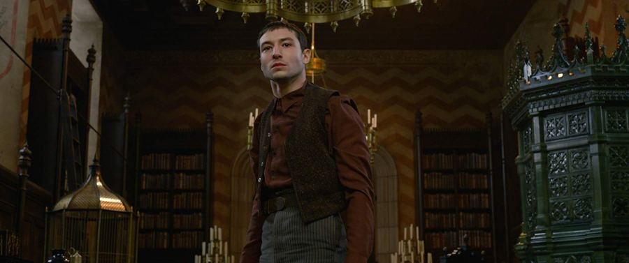 Who is Ezra Miller's character Credence Barebone in Crimes of Grindelwald? | The Little Binger | Credit: © 2018 WBEI Publishing Rights © J.K.R. TM WBEI