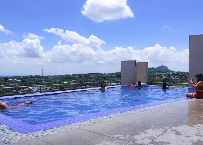 Take a dip and enjoy the view | One Tagaytay Place | The Little Binger