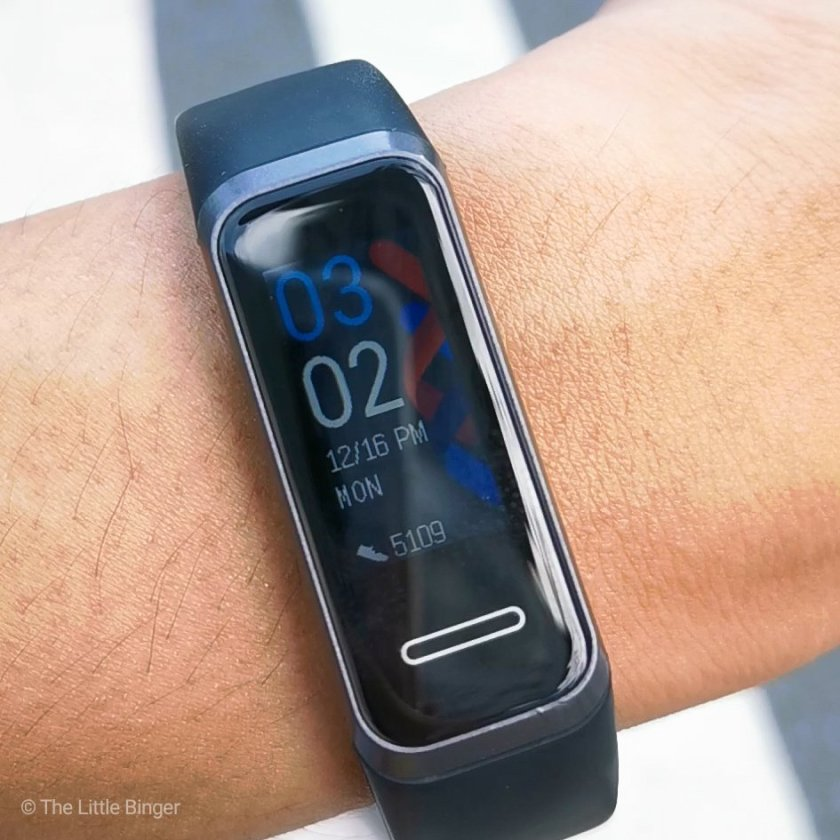 Customize your Huawei Band 4 with different faces. | The Little Binger