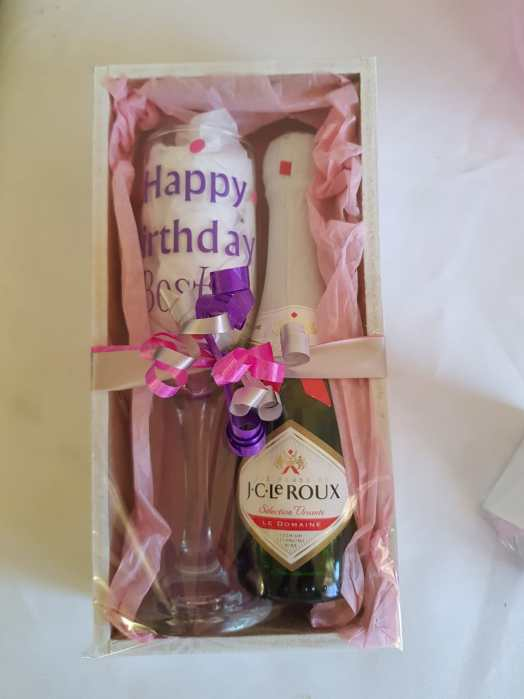 Sparkling Wine & Glass Personalised Gift Set - Buy Online