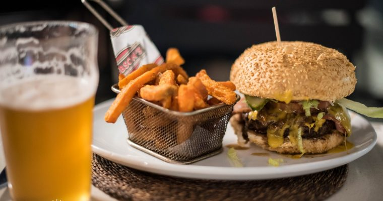 A meaty affair at Gibson's Gourmet Burgers & Ribs