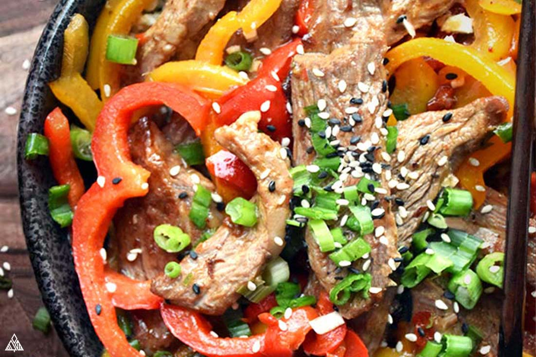 close up of hunan beef