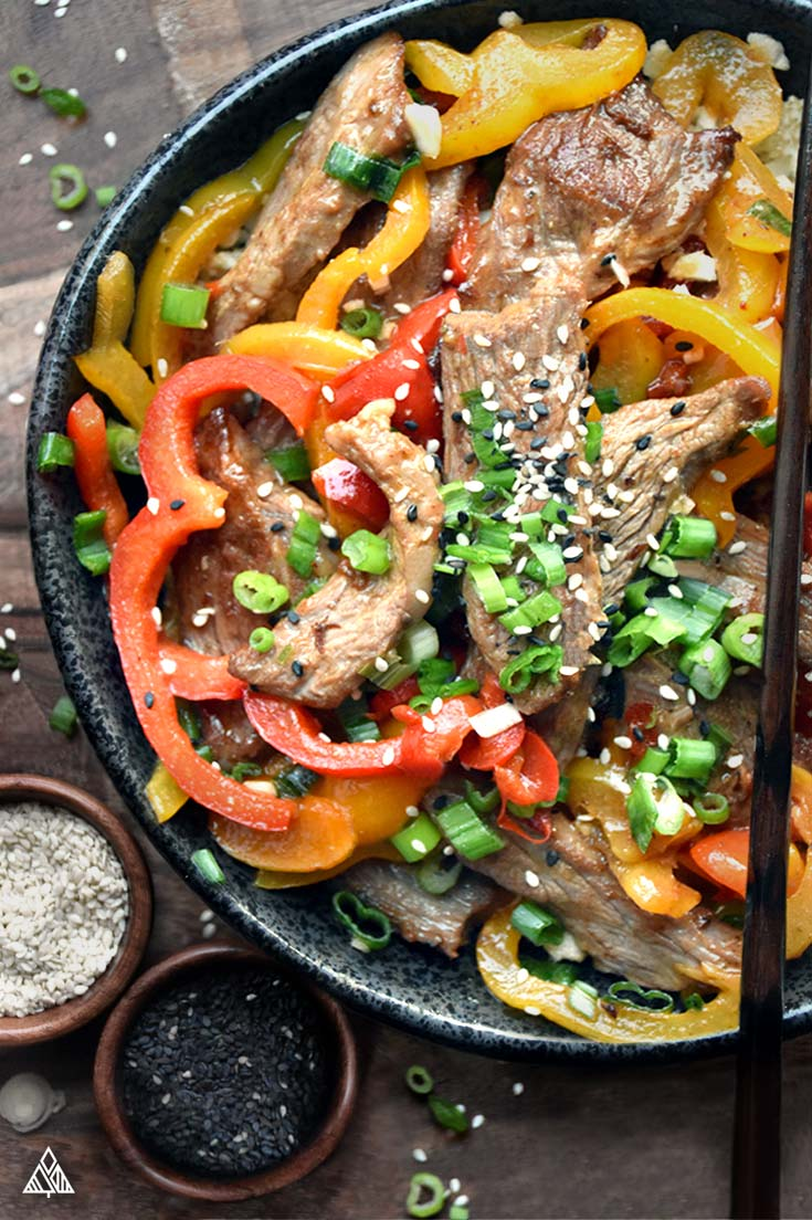Chinese food without the food coma… This Hunan beef recipe is low carb and paleo perfection, plus every bit as good as the classic dish! #lowcarb #keto #glutenfree #grainfree #healthy #recipe #chinesefood #crockpot #spicy #paleo #stirfry #flanksteak #vegetable #vegetableoil #arrowroot #sherry #salt #pepper #coconutaminos #onions