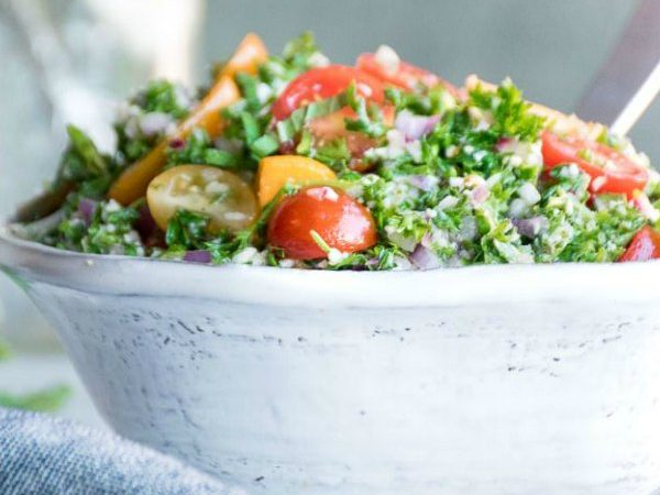 image of cauliflower tabbouleh with a title at the bottom