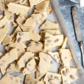 Broken pieces of white chocolate bark