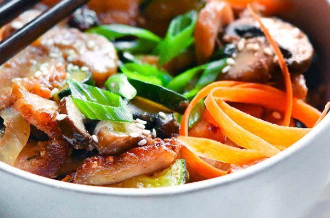 Hunan chicken in a bowl