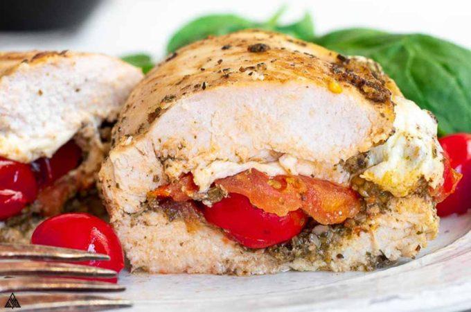 Closer look of sliced mozzarella stuufed chicken