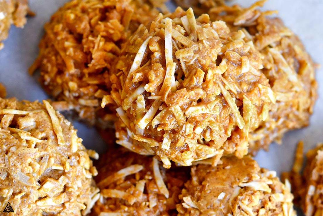Closer look of healthy no bake cookies