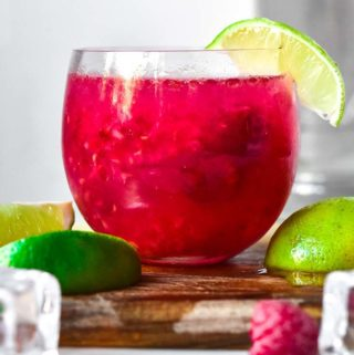 Low carb cosmopolitan in a glass