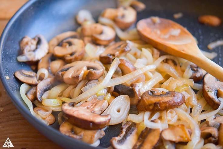 Cooking the mushroom