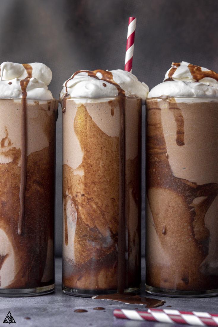 3 glasses of low carb milkshake