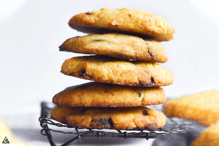 One of the best low carb cookies is coconut flour cookies