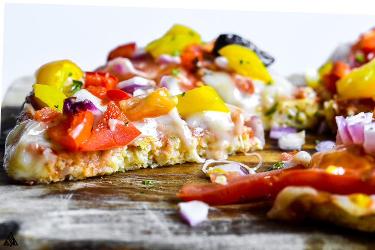 One of the best low carb pizza recipes is cauliflower pizza crust