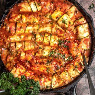 Zucchini enchiladas in a pan