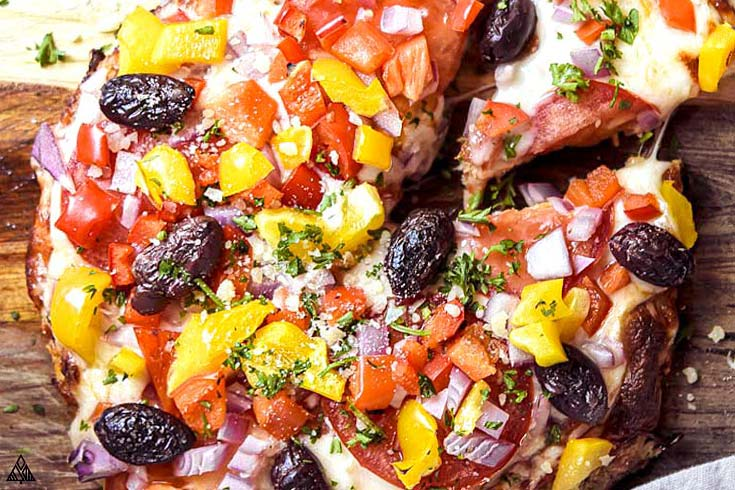 close up of keto cauliflower pizza crust