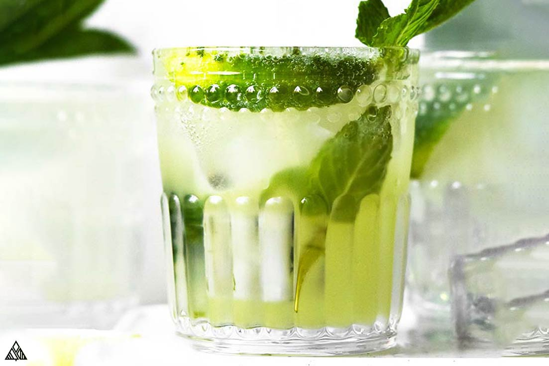 One of the best low carb cocktails recipe is keto mojito