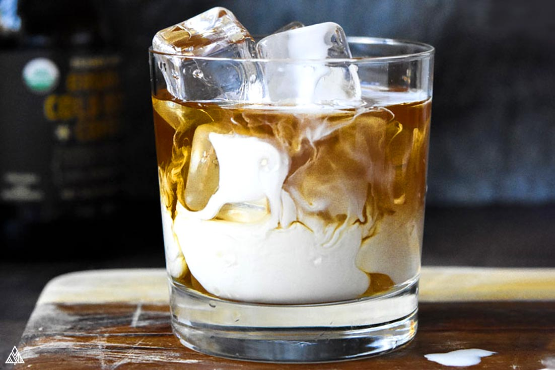 One of the best low carb cocktails recipe is keto white russian