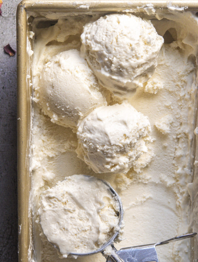 Low Carb Vanilla Ice Cream, No Churn (4 Ways!)