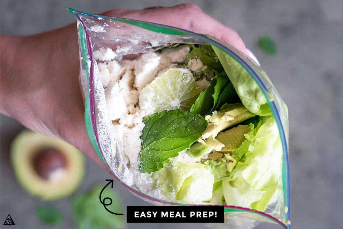 healthy green smoothies ingredients in a zip lock