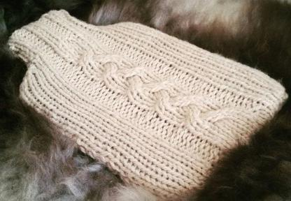cable hot water bottle cover knitting kit close up