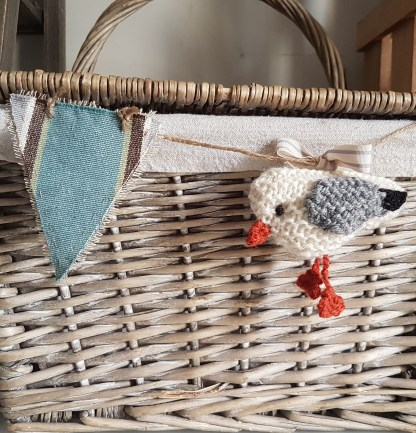 Knitted Gull Bunting