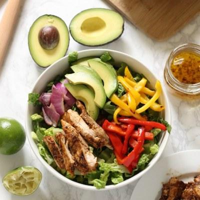 Skinny Grilled Chicken Fajita Salad