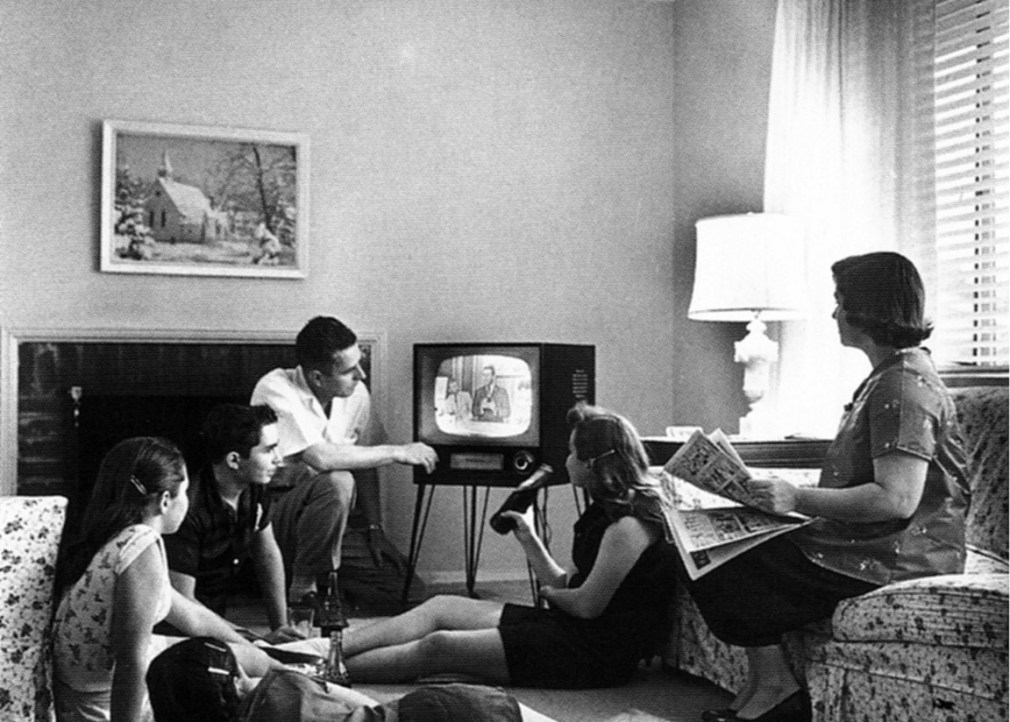 Family1950sTelevision-1024x952