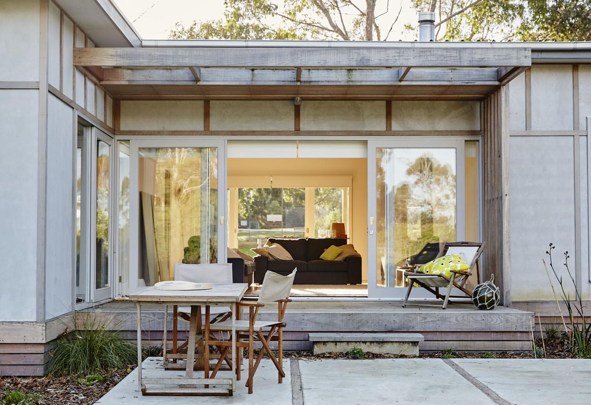 Australian Architecture, Shoreham Beach Shack by Sally Draper Architects, Shoreham, VIC, Australia (4)