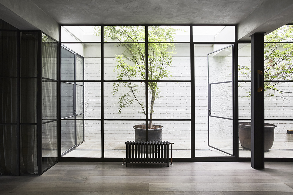 Courtyard Design - South Yarra Residence - Workroom Australian Interior - The Local Project