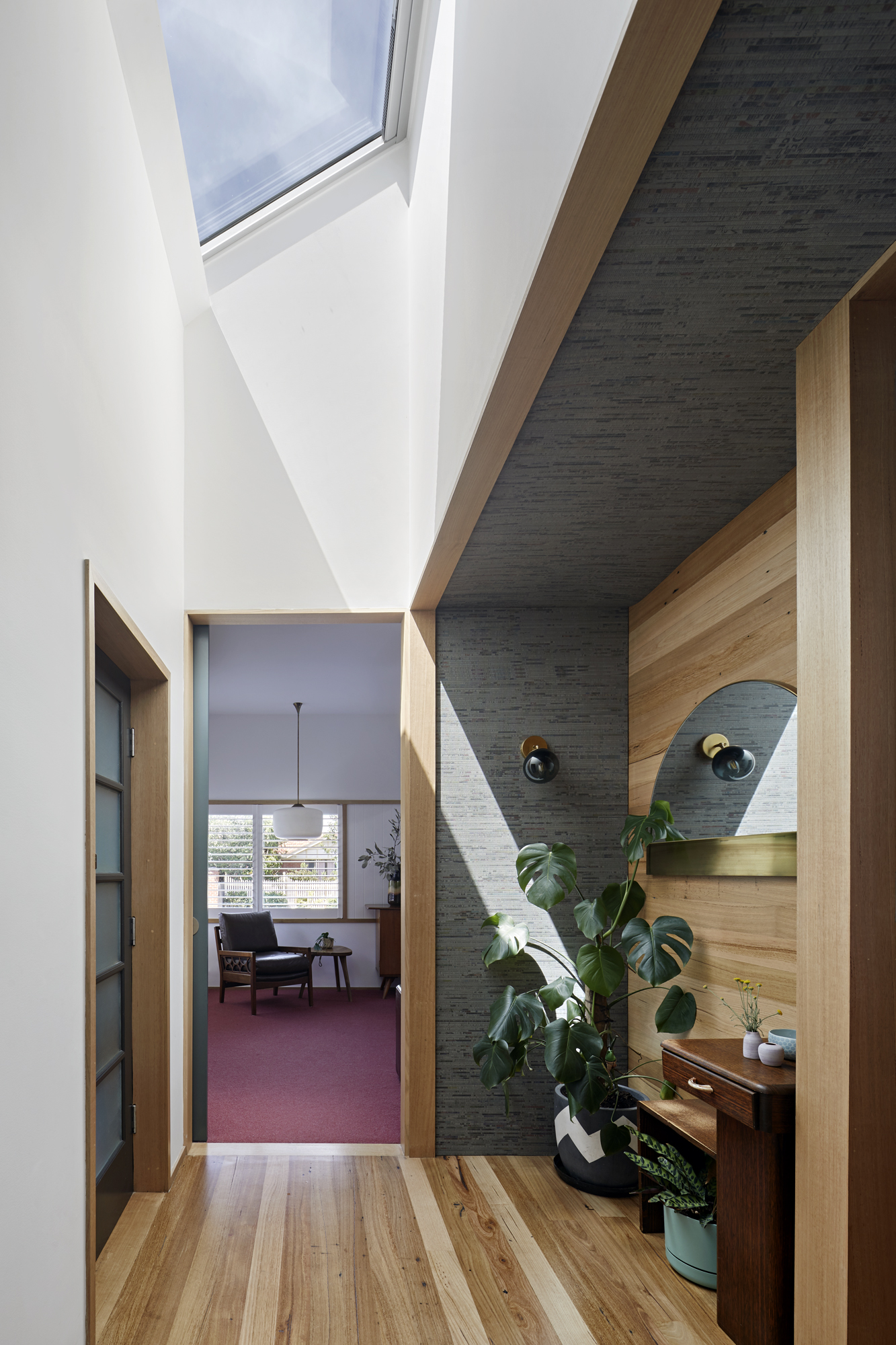 Bent Annexe Adds Additional Living Space To A 1960s Home With A Lot Of Charm, While Also Reconnecting It To The Garde