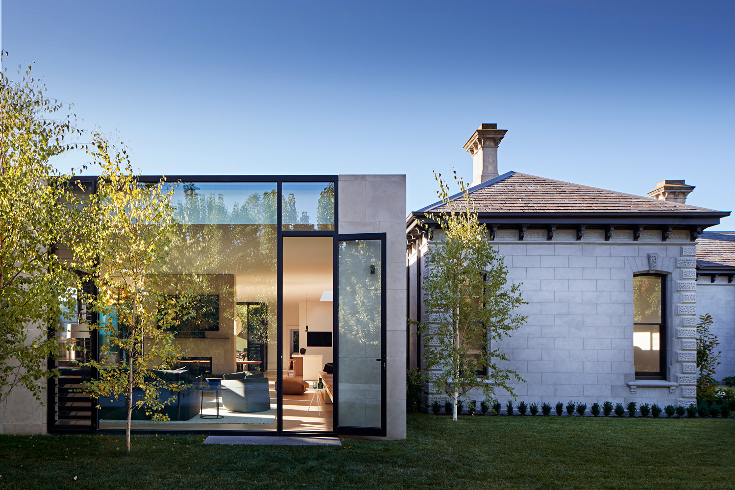 The Pavilion House By Robson Rak Past Present In Architectural Form