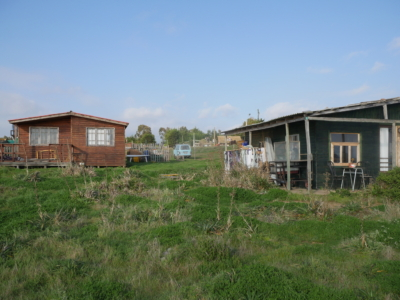 Premières maisons de l'éco-village Horcon