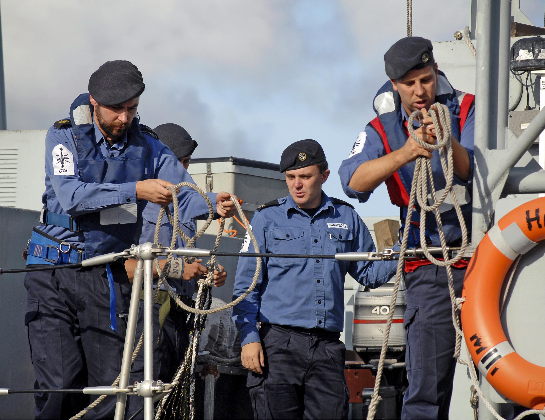 20140723-63-14-HMS Blyth returns3