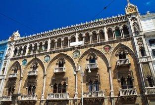 Palazzo Fizzarotti, facciata -da BariToday