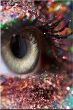 glitter-macro-eye