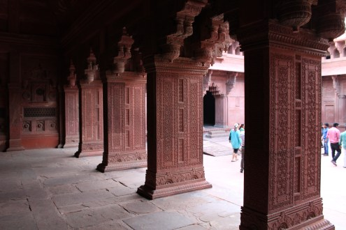 Columns in Agra Fort