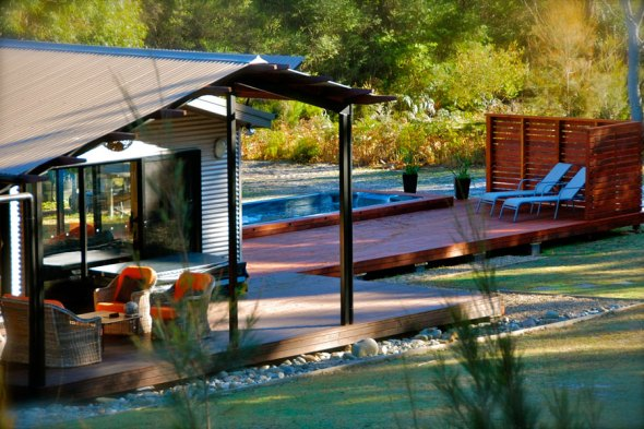 the-long-weekend-retreat-exterior-900