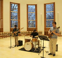 Live jazz entertained guests.