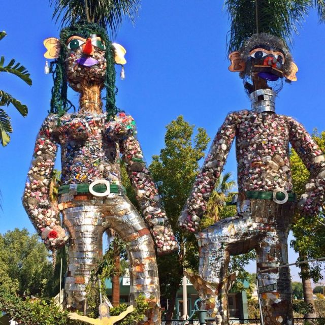 Statues as tall as palm trees at Tio's Tacos (photo by Nikki Kreuzer)