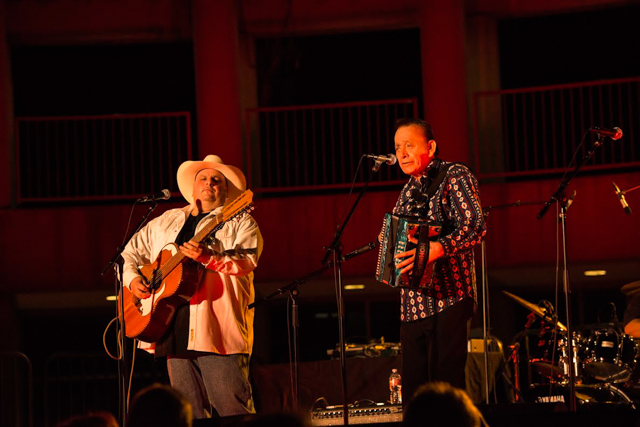 Max Baca (l) and Flaco Jimenez at the Skirball Center. Photo by Timothy Norris, used by permission.