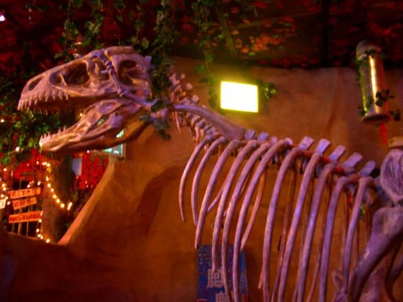 Jurassic REstaurant (Dukey Flyswatter)