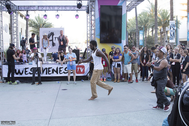 VidCon goers having a dance off at the Anaheim Convention Center. Photo by Genesia Ting for the Los Angeles Beat.