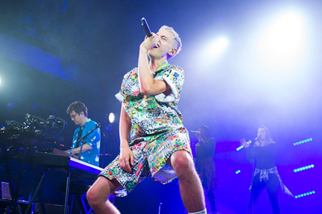 Olly Alexander of Years and Years at the Fonda Theatre. Photo by Genesia Ting for the Los Angeles Beat.