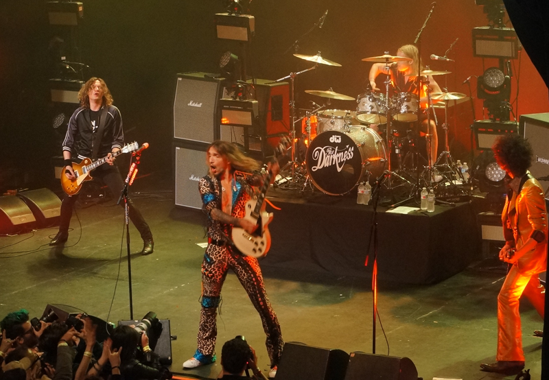 The Darkness At The Fonda Live Review The La Beat