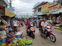 Duong Dong day market
