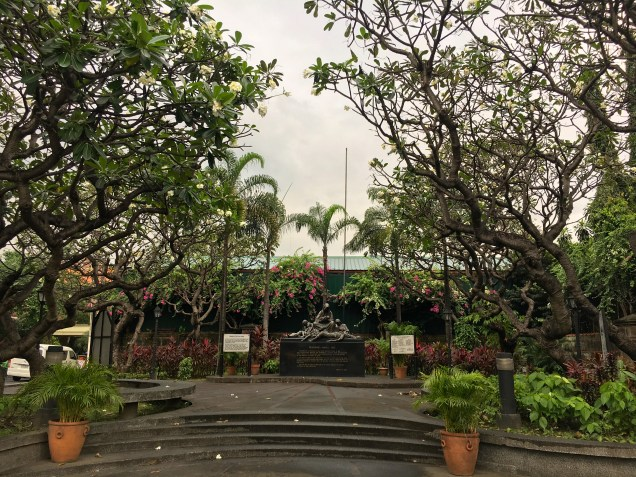 Wandering through some of Manila's gardens