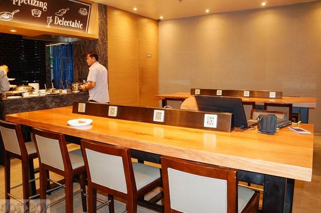 plaza premium lounge cebu-7
